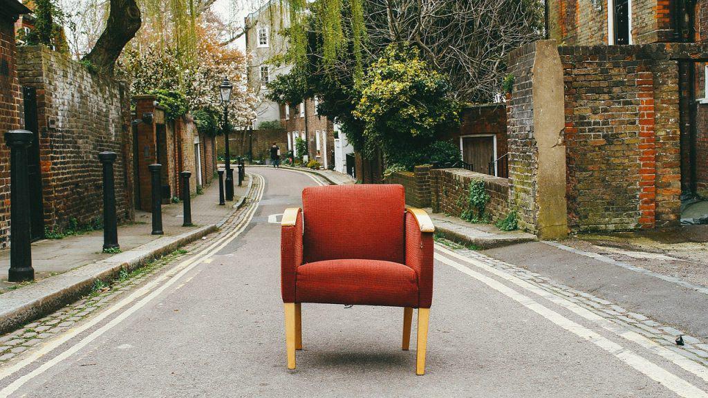 כסא בכביש